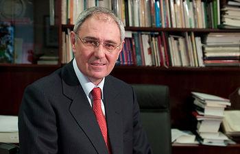 Ernesto Martínez Ataz, Rector de la Universidad de Castilla-La Mancha.