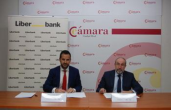 Liberbank y la Cámara de Comercio renuevan su compromiso para potenciar la formación en marketing digital y redes sociales entre el tejido empresarial