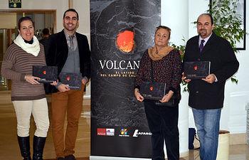 De izquierda a derecha, los autores del libro: Estela Escobar, Rafael Becerra, Elena González y Rafael Gosálvez.