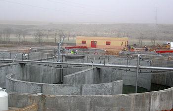 Imagen de una depuradora en construcción.
