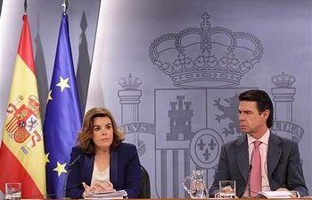 Consejo de Ministros: Soraya Sáenz y José Manuel Soria. Foto: Pool Moncloa.
