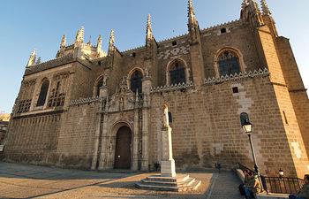 Ubicado en plena judería se encuentra el Monasterio de San Juan de los Reyes.