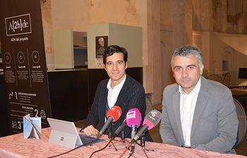 Izda: Pedro Aizpun, director de A{2h}de Dcha: José Luis Muelas, concejal de turismo del Ayuntamiento de Talavera de la Reina