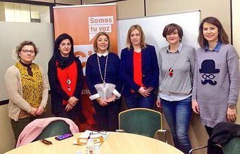 Durante este encuentro con la Asociación de Mujeres Empresarias de Albacete y Provincia se ha tratado la necesidad de eliminar barreras a las PYMES
