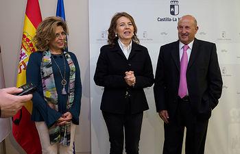 La consejera de Bienestar Social, Aurelia Sánchez, se reúne con la Asociación de Balnearios de Castilla-La Mancha