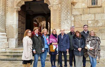 Candidatos del PP al Congreso y al  Senado y la presidenta del partido en Guadalajara, junto al Palacio del  Infantado