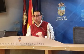 Antonio de Miguel, portavoz de Vox en el Consistorio guadalajareño.