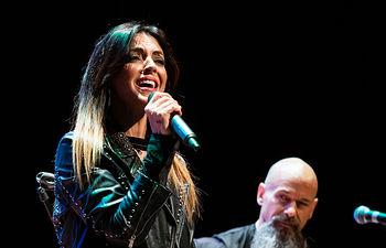 Acto institucional del Día Internacional para la Eliminación de la Violencia contra las Mujeres organizado por el Ayuntamiento de Albacete, donde ha actuado la cantante Merche.