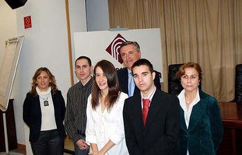Ganadores de los premios de Ingeniería Química, junto a los representantes de las empresas patrocinadoras.