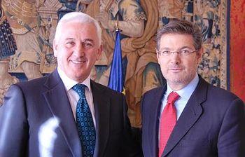 Rafael Catalá con el ministro de Justicia de Albania. Foto: Ministerio.