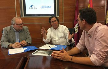 Firma Convenio ADECA y Acescho Seguridad.