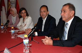 La vicerrectora del Campus de Toledo participó en el acto inaugural.