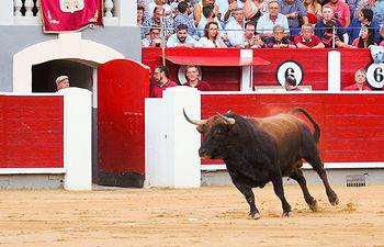 Enrique Ponce - Su segundo toro - Feria Albacete - 16-09-16