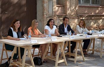Autoridades participantes en la inauguración del curso.