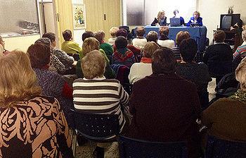 La Concejalía de Sostenibilidad imparte una conferencia sobre consumo sostenible a las amas de casa