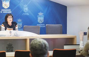 Isabel Nogueroles en comparecencia para desmentir declaraciones de representantes  de la JCCM sobre justificación de subvenciones de los talleres de empleo