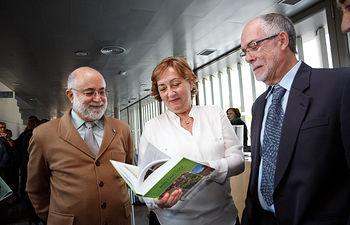Soriano presenta el libro El cultivo del pistacho 2. Foto: JCCM.