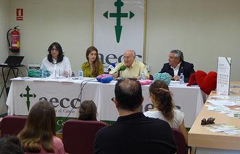 """La AECC Albacete celebra la entrega de premios a los mejores trabajos realizados por los alumnos en los programas que han desarrollado dentro del plan """"Educar para la Salud""""."""