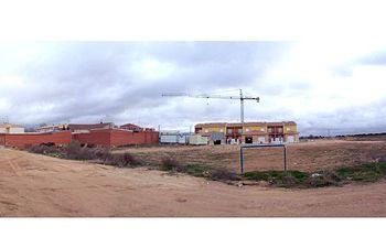 En la imagen, los terrenos en los que el Gobierno de Castilla-La Mancha construirá el nuevo Centro Médico de La Puebla de Almoradiel (Toledo).