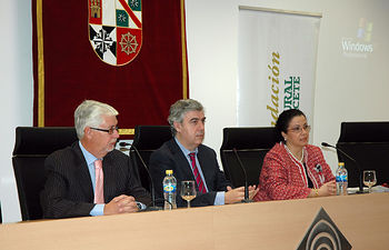 De izqda a dcha, Francisco Ortuño, Antonio Roncero y Gracia Luchena