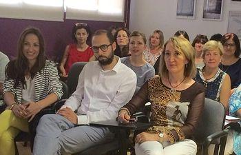 Fotografía de la directora provincial del Instituto de la Mujer, Mercedes Márquez durante la Jornada de Formación dirigida a la Red de Recursos de Albacete.