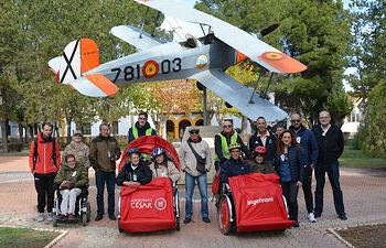 Visita, en triciclos de En Bici Sin Edad, a la Maestranza Aérea de Albacete.