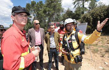 El delegado del Gobierno visita a la UME durante los ejercicios para la campaña contra incendios en Priego (Cuenca)