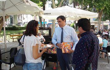 Comienza el reparto de los programas oficiales de la Feria y Fiestas de San Julián 2018