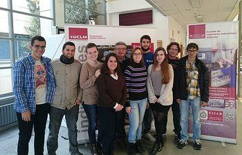 Alumnos organizadores del Congreso junto al director de la escuela de ingenieros industriales, Valentín Miguel Eguía