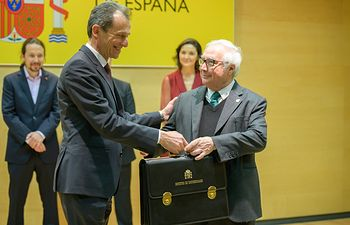 Manuel Castells, toma posesión de la cartera del Ministerio de Universidades.. .