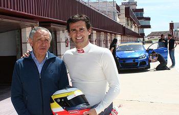Pedro de La Rosa y Andrés Sánchez Marín, director del Circuito de Albacete.