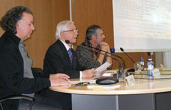 José López Martínez, Amador Palacios y Dionisio Cañas desgranaron el lenguaje poético de Cervantes.