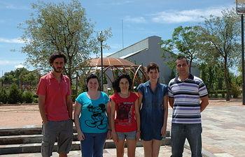 El grupo de investigación de la UCLM dirigido por la profesora de Farmacia, Lourdes Gómez (centro). De Izqda a dcha, Oussama Ahrazem, Ángela Rubio Moraga, Almudena Trapero y Javier Argandoña.