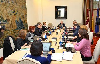 Imagen de archivo de la reunión del Consejo de Gobierno presidido por José María Barreda.