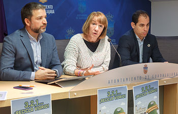 El Consistorio a anima a los guadalajareños a alcanzar este lunes el récord mundial de reciclado de botellas de vidrio. Foto: ©JRopero