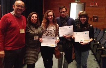 Pablo Cifuentes, junto a las otras dos representantes de Castilla-La Mancha y a los profesores de la UCLM José Luis Albasanz y Mairena Martín.
