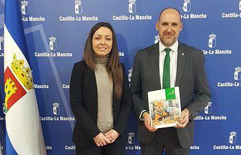El delegado de la Junta en Talavera se reúne con la responsable de Relaciones Externas de Mercadona