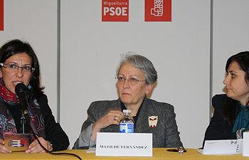 Fotografía de Victoria Sobrino, Maltilde Fernández e Isabel Rodríguez