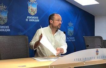 Alejandro Ruiz.