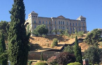 Vista de la Diputación de Toledo desde el Paseo de Recadero