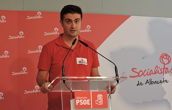 Juan Carlos Gómez, concejal socialista en el Ayuntamiento de Casas de Juan Núñez.