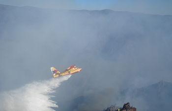 El Ministerio de Agricultura, Alimentación y Medio Ambiente envía medios aéreos y humanos a los incendios forestales de Carcaixent, Bolbaite y San Roque. Foto: Ministerio de Agricultura, Alimentación y Medio Ambiente