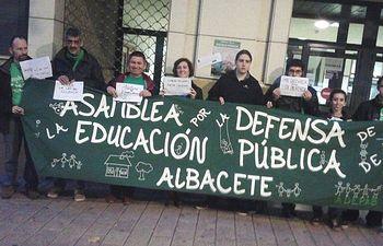 """IU secunda la denuncia de la """"marea verde"""" por prohibir su acto"""