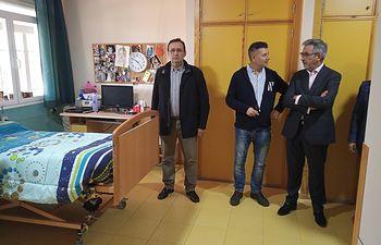 """Jesúis Martín visita el centro de discapacitados """"Vicente Aranda"""" de Daimiel."""