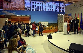 La alcaldesa de Ciudad Real, Pilar Zamora, ha presentado en el Día de Ciudad Real en FITUR la nueva página web de Turismo