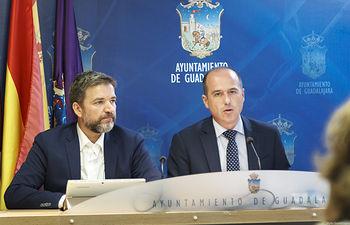 Comparecencia sobre asuntos aprobados en la Junta de Gobierno, desarrollo urbanístico junto al puente árabe; Alberto Rojo, Rafael Pérez Borda. Foto: ©JRopero