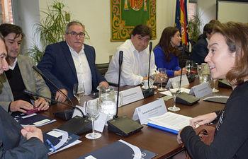Cuca Gamarra en la reunión de la Junta Extraordinaria de la FEMP