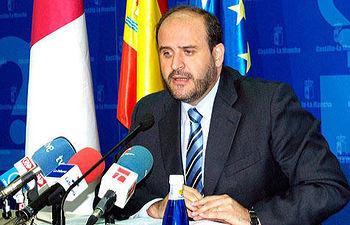 El portavoz del Grupo Socialista en las Cortes, José Luis Martínez Guijarro