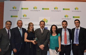 Parte del equipo de Cooperativas recogieron el Premio Solidario. Foto: Cooperativas Agro-alimentarias.