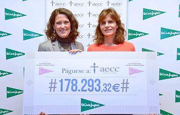 De izquierda a derecha, Ester Uriol, directora de Comunicación Corporativa de El Corte Inglés, e Inés Entrecanales, vicepresidenta de la AECC.